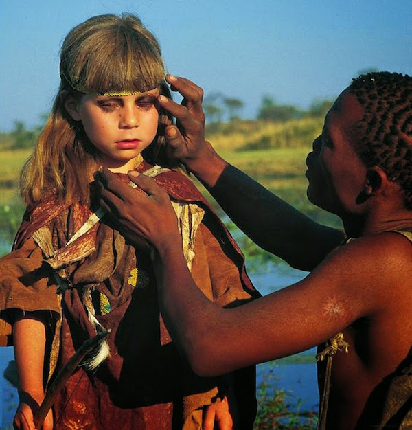 Girl Growing Up Alongside Wild Animals In Africa_05